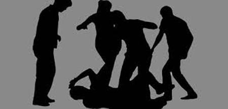 আড়াইহাজারে মাদক ব্যবসায়ীর পক্ষ নেওয়ায় এএসআইকে জনতার ধোলাই