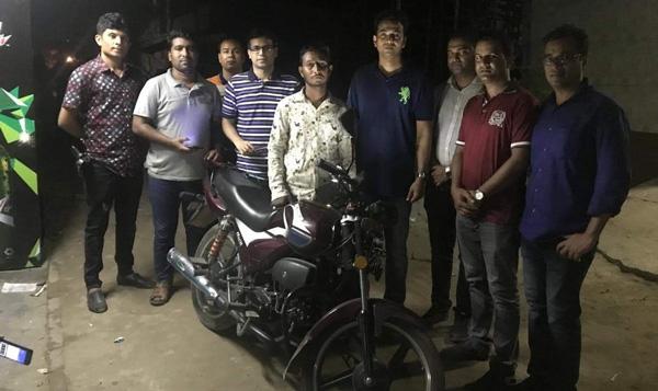 রাজধানীতে ব্র্যাকছাত্রী নিহতের ঘটনায় মোটরসাইকেল চালক আটক