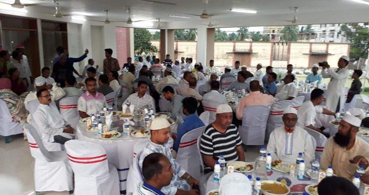 পলাশ উপজেলা প্রেসক্লাবের ইফতার ও দোয়া মাহফিল অনুষ্ঠিত
