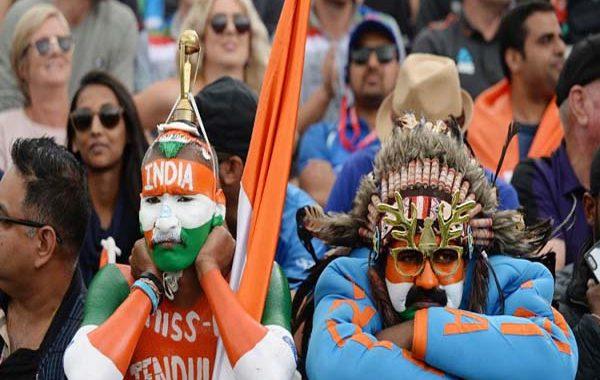 কাঁদতে কাঁদতে স্টেডিয়াম ছাড়লেন ভারতীয় সমর্থকরা