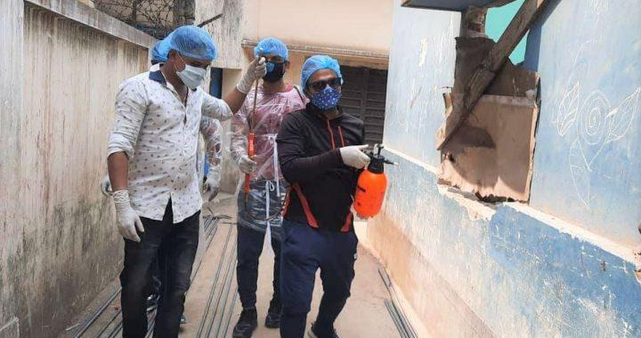 """পলাশে করোনা প্রতিরোধে মাঠে নামলেন """"HELPFUL"""" নামে সংগঠন"""